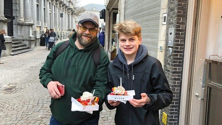 family-river-cruises-family-bonding-belgian-waffles