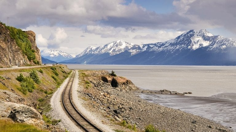 best-places-to-visit-in-alaska-turnagain-arm