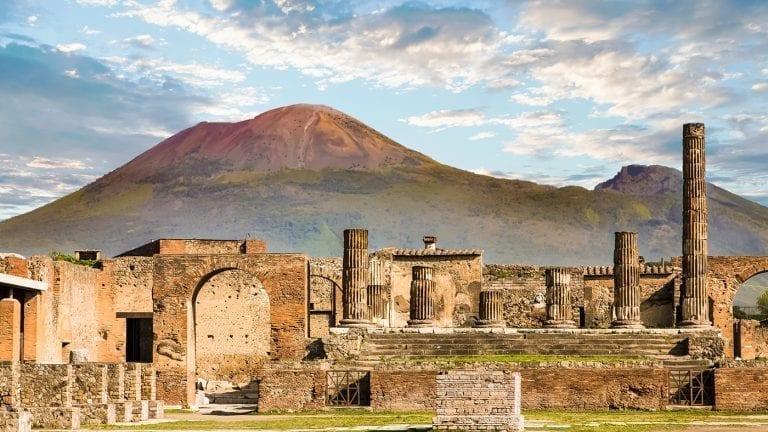 visiting-amalfi-coast-italy-pompeii