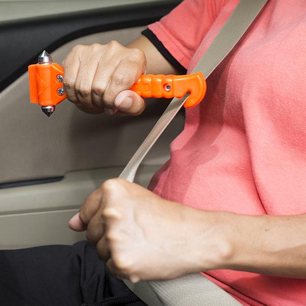 car-escape-tool-seatbelt