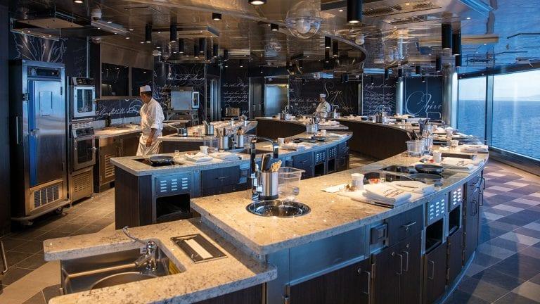 regent-seven-seas-cruises-culinary-arts-kitchen