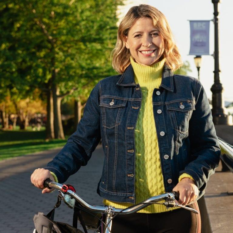 samantha-brown-return-to-travel-bicycle