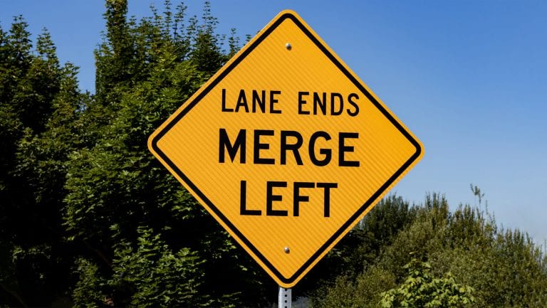 zipper-merge-keeps-traffic-moving